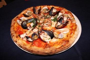pizzeria-maesta-verona-pizza-pescatora